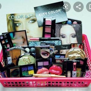 Ladies gift baskets